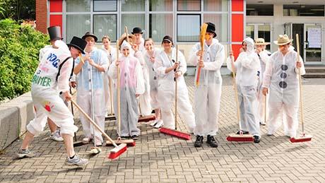 Sportsfun Teamday 2011 - Das beste Klassen-Outfit: Die Abräumer der 12FOG1